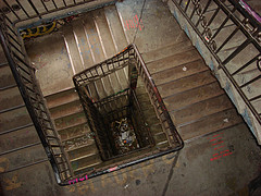 """Treppe"" cc-by-sa Flickr User: twicepix http://www.flickr.com/photos/twicepix/1071494159/"